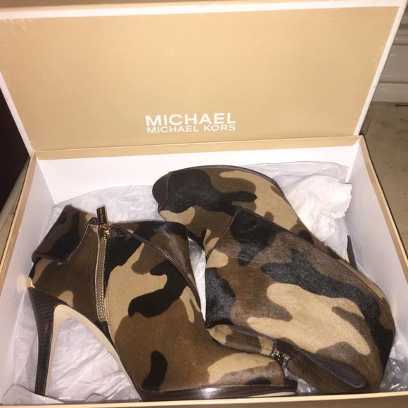 Michael Kors Camouflage Boots | Poshmark